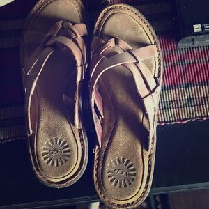 Size 9 Leather UGG sandals